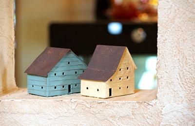 デザイン性のある家の模型